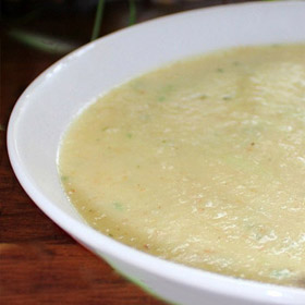 Soep pastinaak en appel met knoflook croutons Recept op Vegetarisch Weekmenu