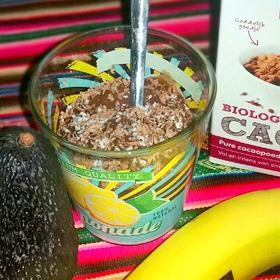 Chocolade pudding nagerecht banaan avocado