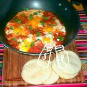Shakshuka hoofdgerecht op vegetarisch weekmenu van Jade de Vries