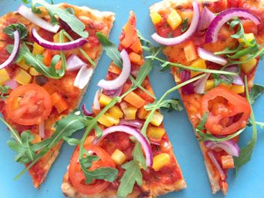 Verschil pizzadeeg flammenkuchendeeg op vegetarisch weekmenu