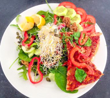 Snelle Veggie Pizza vegan recept voor lunch