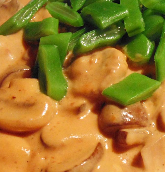 Champignon stroganoff recept met couscous op Vegetarisch-Weekmenu.nl