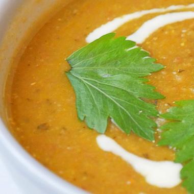Rode linzensoep met ras el hanout recept op Vegetarisch Weekmenu