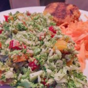 Broccoli salade met paprika en wortel van Vegetarisch Weekmenu