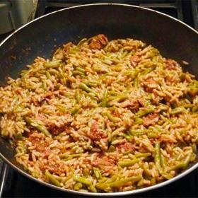 Vegetarische gehackt balletjes met satésaus recept met sperziebonen op Vegetarisch Weekmenu