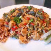 Bami in pindasaus recept op Vegetarisch Weekmenu