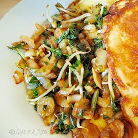 Gezonde omelet maken met groenten op Vegetarisch Weekmenu