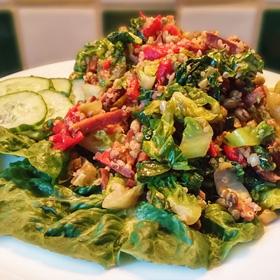Paksoi Speckjes met quinoa en paprika. Makkelijk hoofdgerecht op Vegetarisch Weekmenu