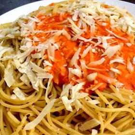 Spaghetti saus van gegrilde paprika recept op Vegetarisch Weekmenu