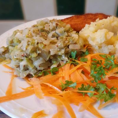 Zoet zure witlof met aardappel-appel-stamp op Vegetarisch Weekmenu