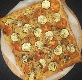 Bladerdeeg pizza snel klaar recept op Vegetarisch Weekmenu