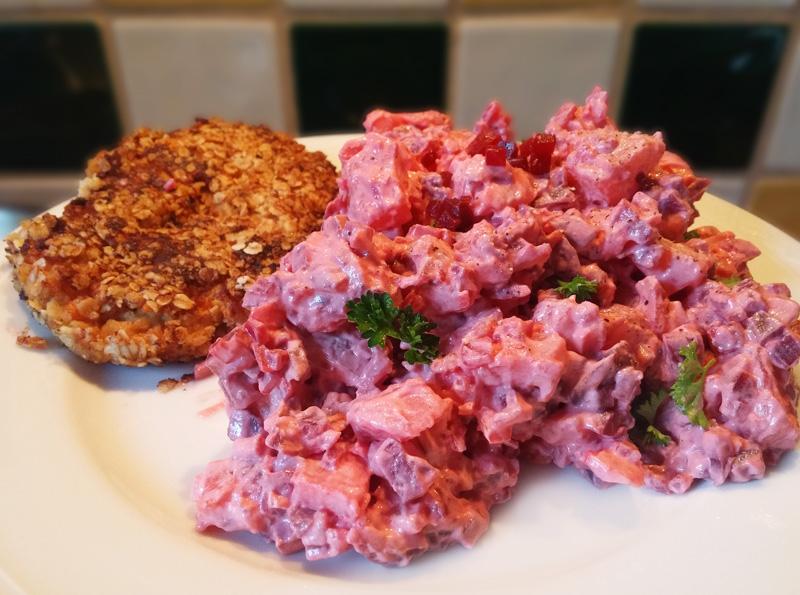Rode bieten aardappel salade, vegetarisch recept