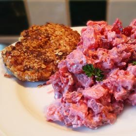 Rode bieten salade en een recept voor vegetarische burger