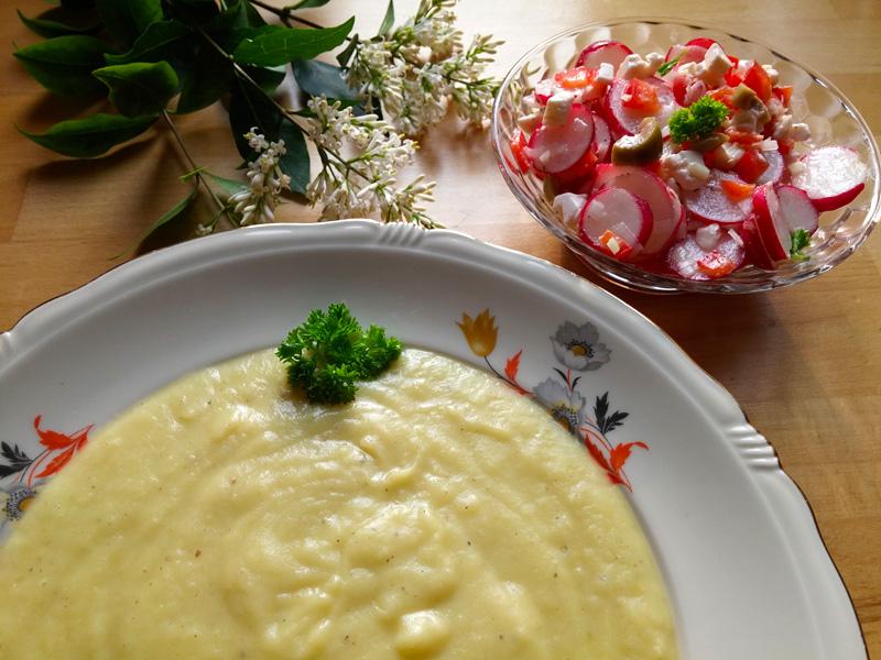 Bloemkool aardappelsoep recept radijssalade op Vegetarisch Weekmenu