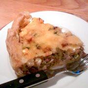 Quiche met doperwtjes en feta . Hartige taart recept vegetarisch weekmenu