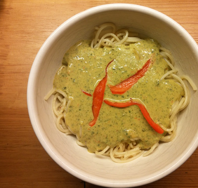 Spaghetti met zelf gemaakte basilicumsaus recept op Vegetarisch Weekmenu