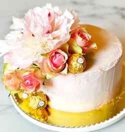 Voorbeeld van pioenrozen taart van Queenie's Sweets and Cakes