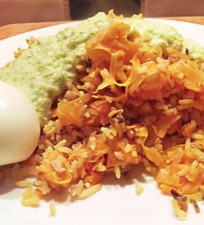 Rijst met wortel en geroosterde paprika saus recept Vegetarisch Weekmenu