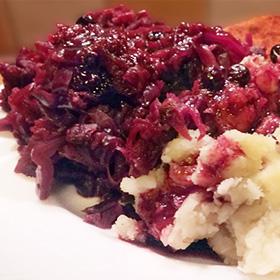 Rode kool kerstmenu recepten hoofdgerecht zwarte bessensaus Vegetarisch Weekmenu
