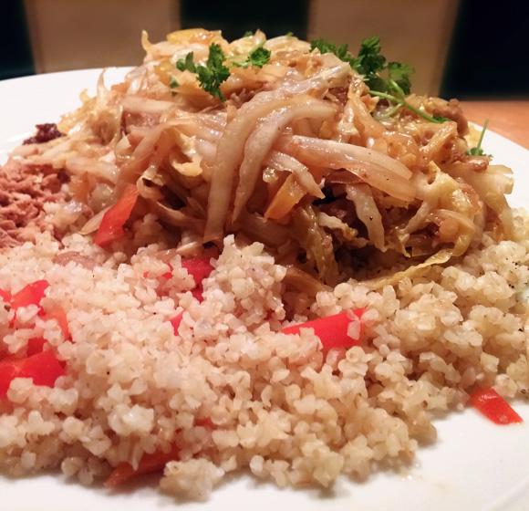 Chinese kool op Indonesische wijze met Turkse bulgur recept Vegetarisch Weekmenu