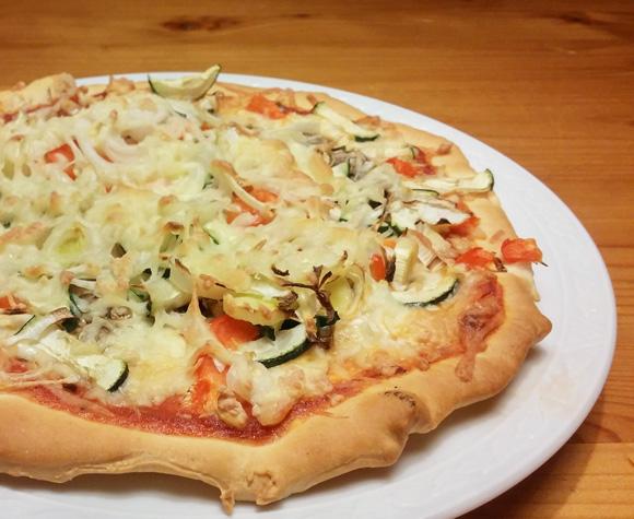 Home made veg courgette paprika pizza recept Vegetarisch Weekmenu