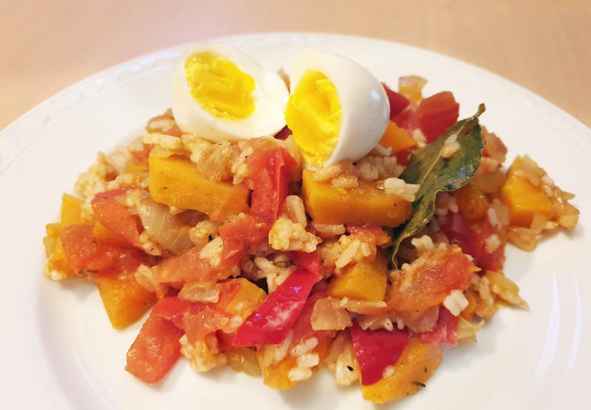 Tomaten rijst stoofpot recept paprika pompoen ei Vegetarisch Weekmenu