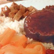 Aubergine recept tofu yakitori saus maken wortel-lychee salade Vegetarisch Weekmenu