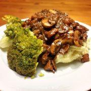 Broccoli koken aardappelpuree gerecht champignons pecannoten vegetarische saus weekmenu
