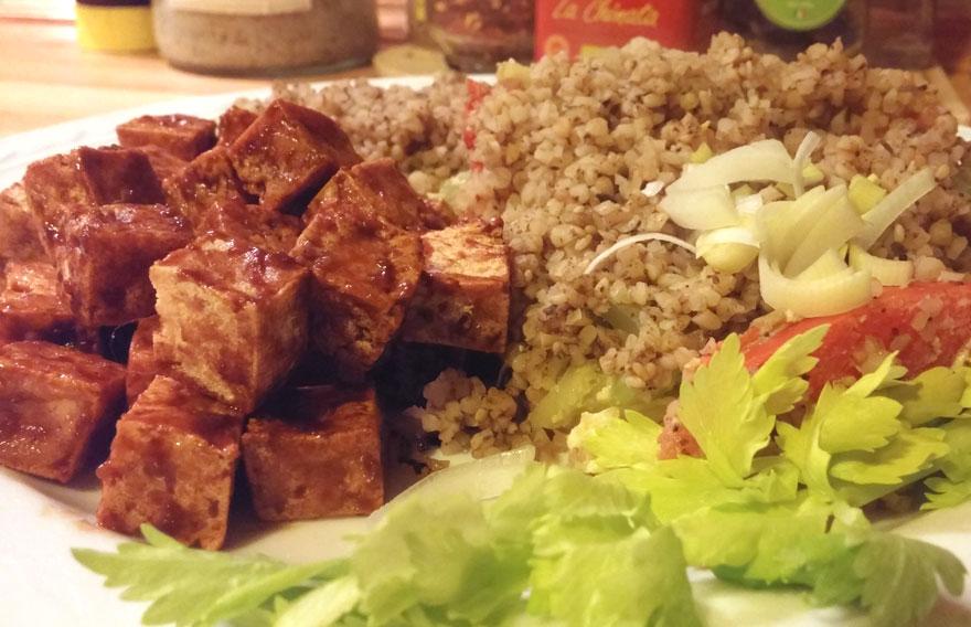 Bulgur bleekselderij recept gemarineerde tofu Vegetarisch Weekmenu