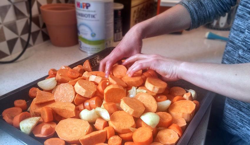 Geroosterde zoete aardappel-wortel soep met feta Vegetarisch Weekmenu