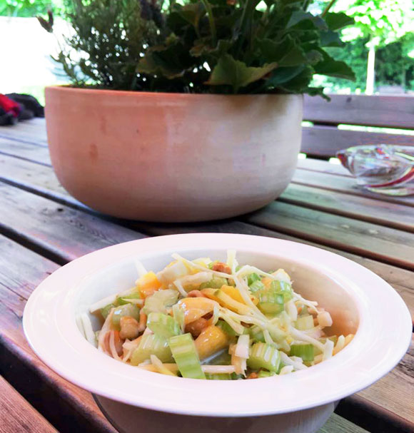 Bleekselderie salade mango pinda's recepten koken Vegetarisch Weekmenu