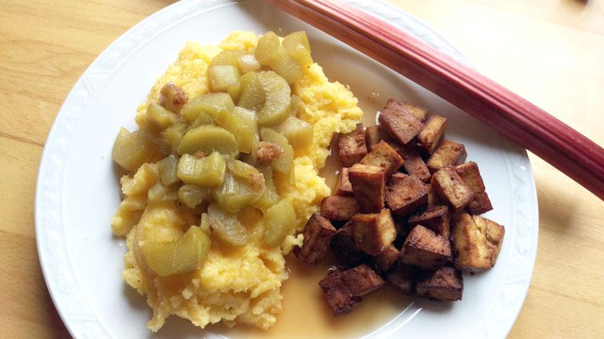 Rabarber uit de oven polenta tofu Vegetarisch Weekmenu