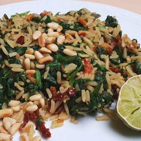 Rijst met spinazie citroen zongedroogde tomaten pijnboompitten recept Vegetarisch Weekmenu