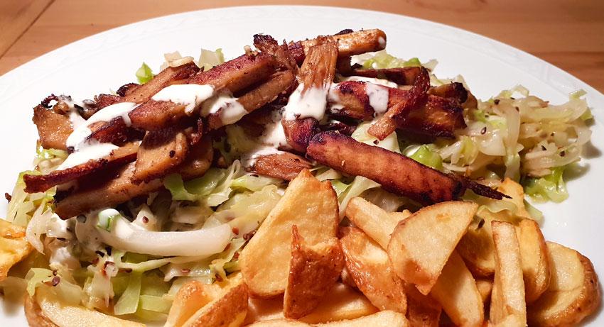 Spitskool shoarma knoflooksaus gebakken aardappelen recept vegan vegetarisch weekmenu
