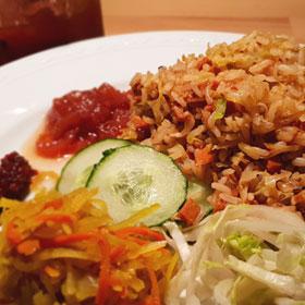 Vegan Surinaamse nasi prei hoofdgerecht Vegetarisch Weekmenu