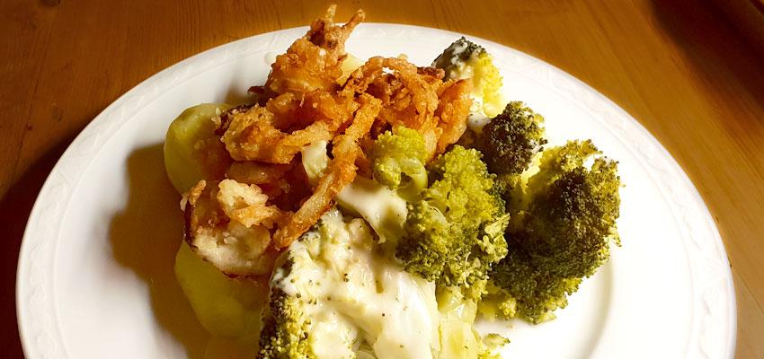Broccoli met krokante uiringen aardappelen recept vegetarisch