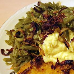 Zoute boontjes puree krokante uitjes vroeger vegetarisch