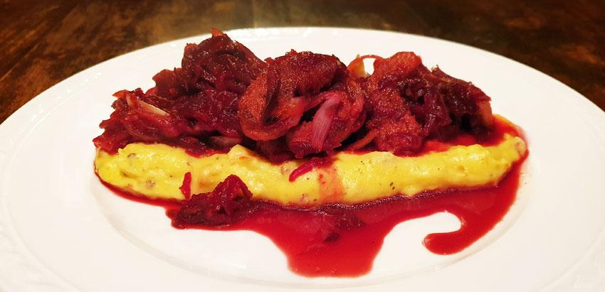 Hartige polenta recept vegan met zoete rode bieten vegetarisch
