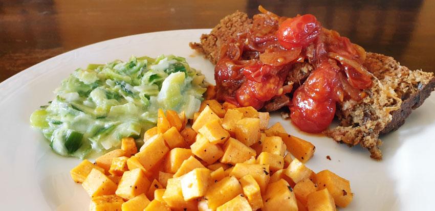 Meatloaf Naturli prei zoete aardappel vegetarisch weekmenuMeatloaf Naturli prei zoete aardappel vegetarisch weekmenu
